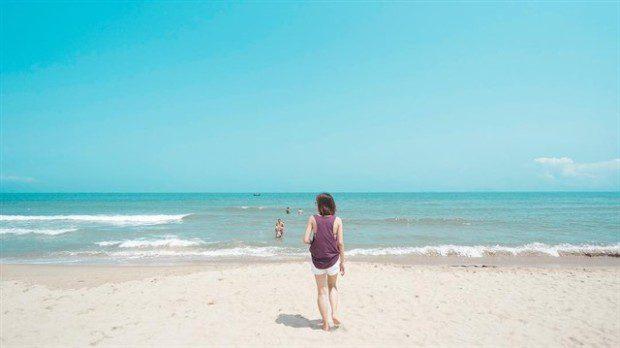 Lần đầu tiên đến với An Bàng bạn sẽ khó cưỡng lại với một vẻ đẹp hoang sơ và vô cùng quyến rũ của bãi biển tuyệt đẹp này. Ảnh: instagram Tamtamtaec