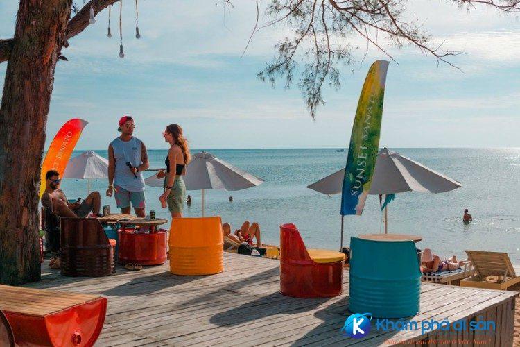 sunset sanato beach club khamphadisan 2