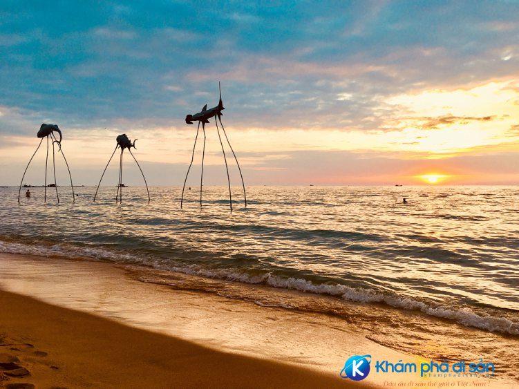 sunset sanato beach club khamphadisan 3