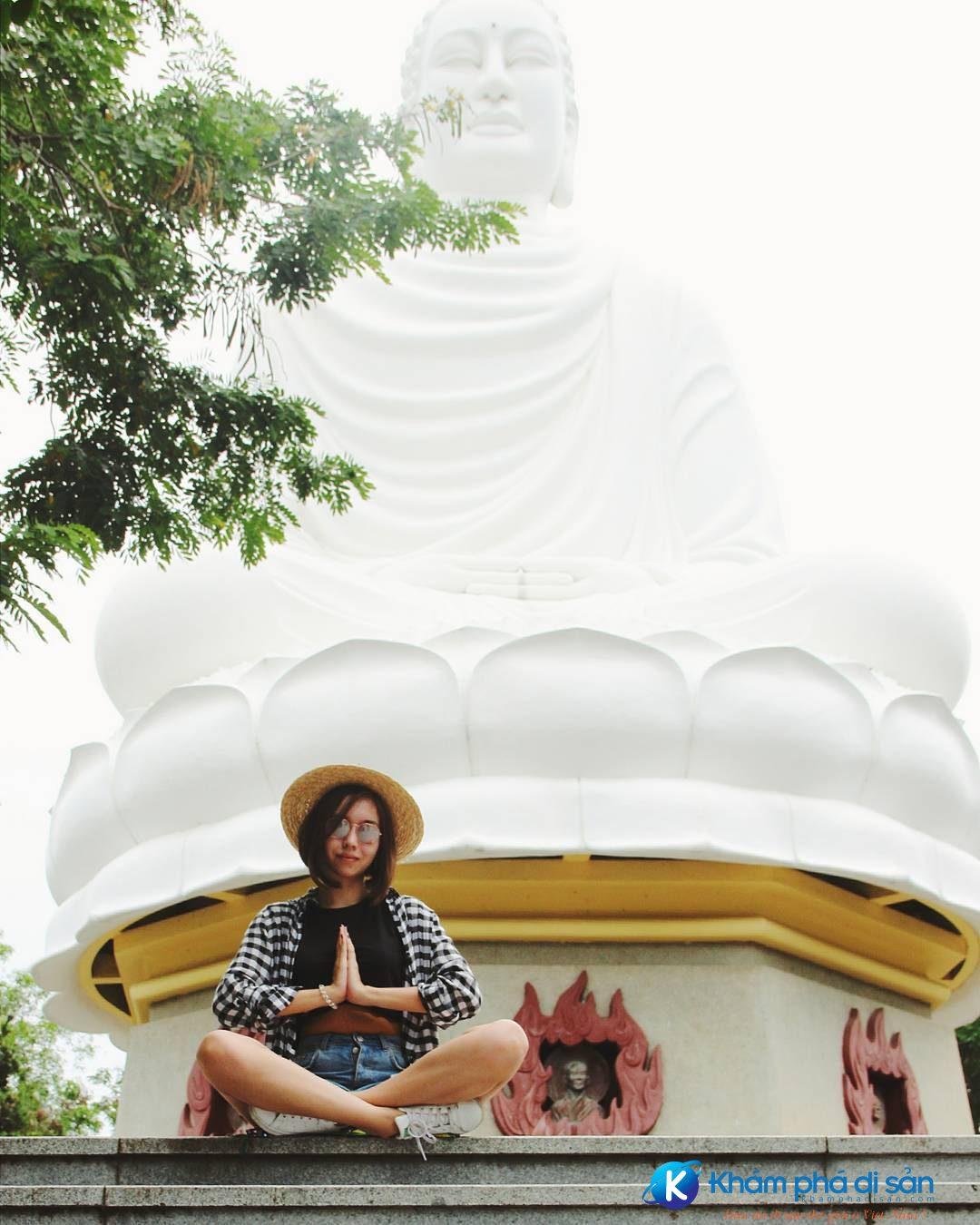 chùa long sơn nha trang