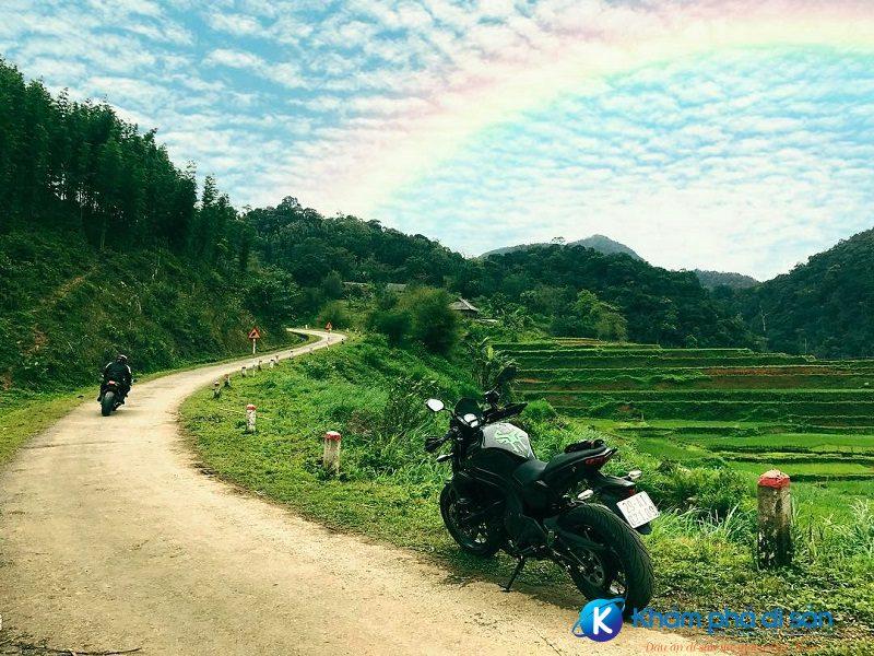 Đường đến Lũng Vân