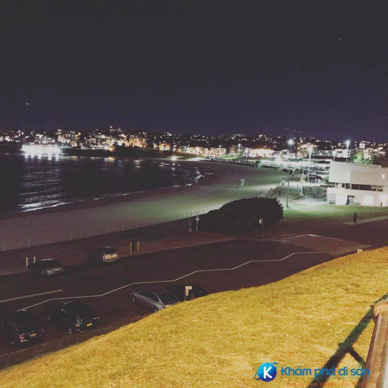 Bãi biển Bondi về đêm