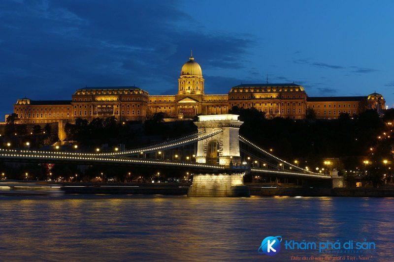 Cung điện hoàng gia Buda Hungary