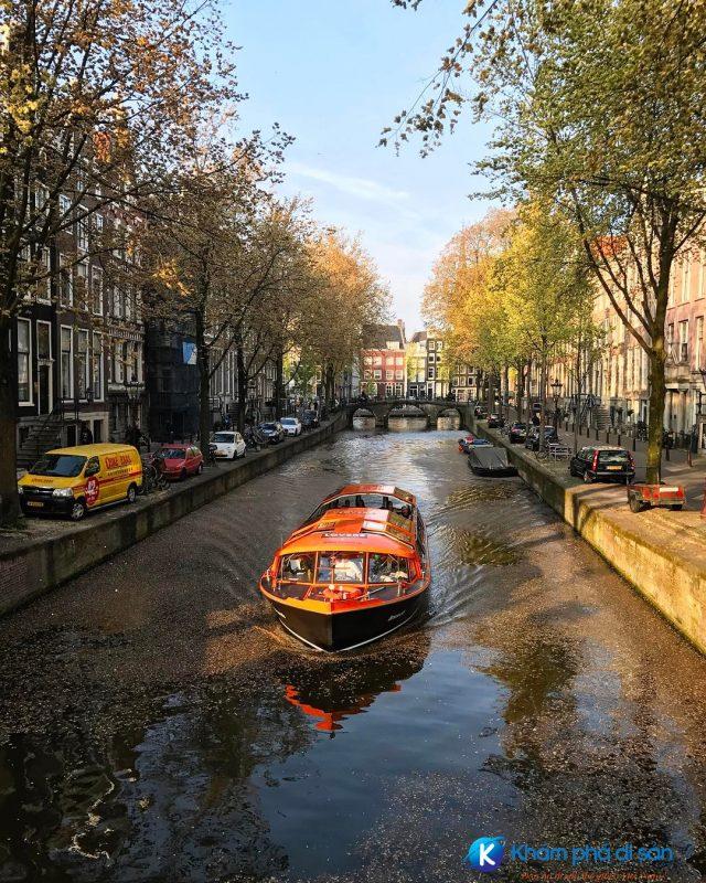 kênh đào Amsterdam khamphadisan1 e1543803237540