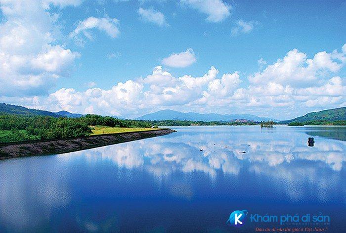 hồ Việt An baomoi.com